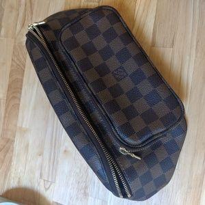 Louis Vuitton waist bag Damier print